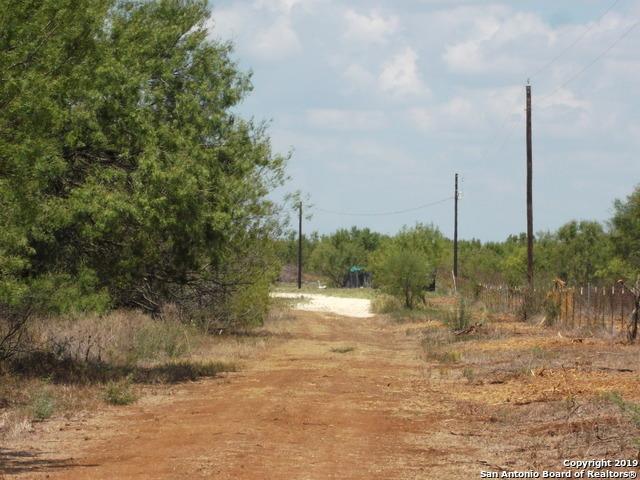Active | 1660 county road 300  Jourdanton, TX 78026 13