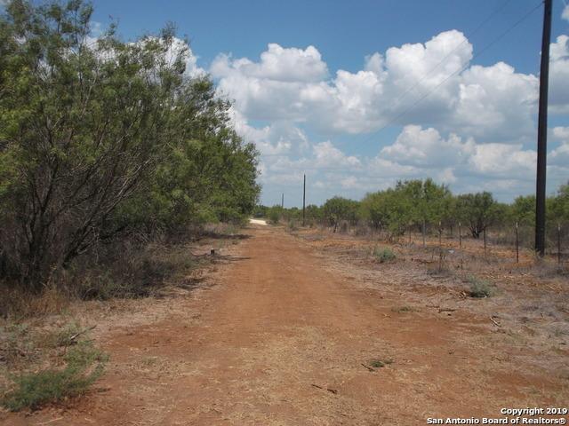 Active | 1660 county road 300  Jourdanton, TX 78026 14