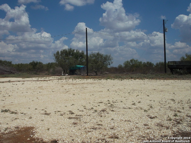 Active | 1660 county road 300  Jourdanton, TX 78026 16