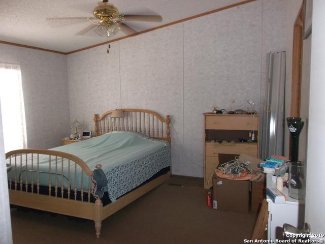 Active | 1660 county road 300  Jourdanton, TX 78026 10