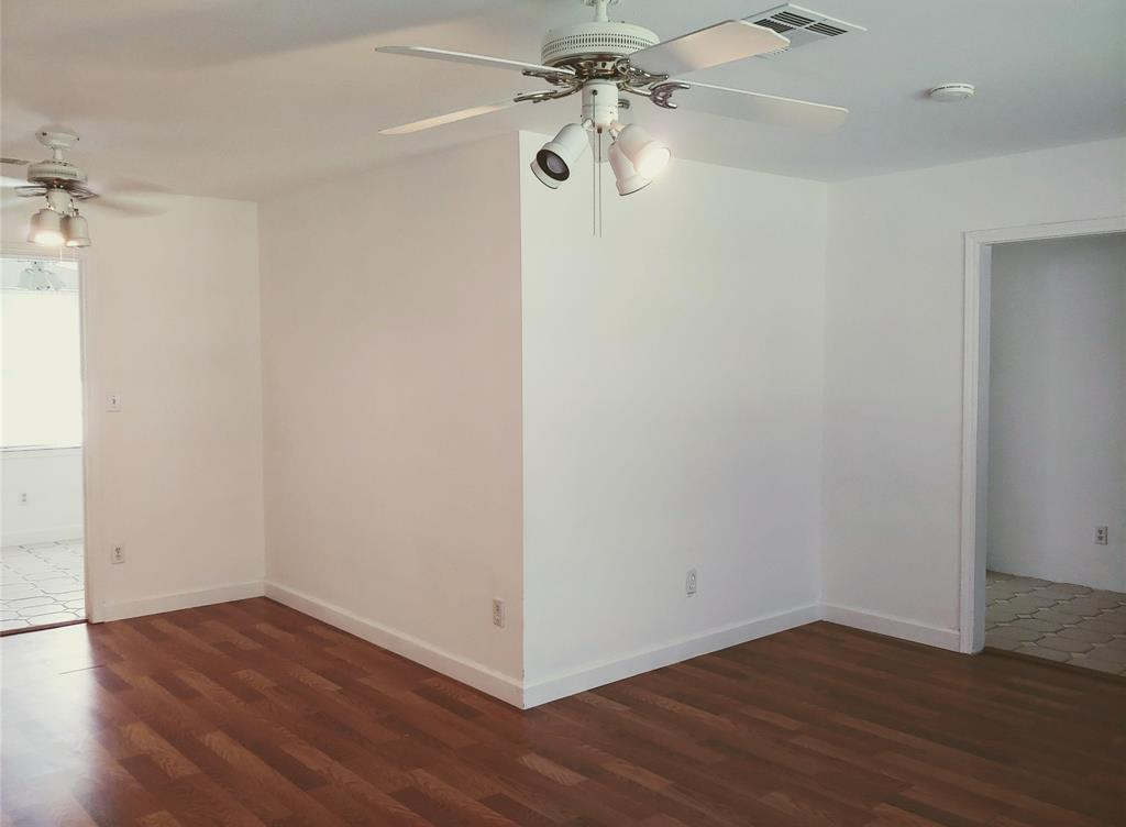 Property for Rent | 9011 Landsdowne Drive Houston, Texas 77096 2