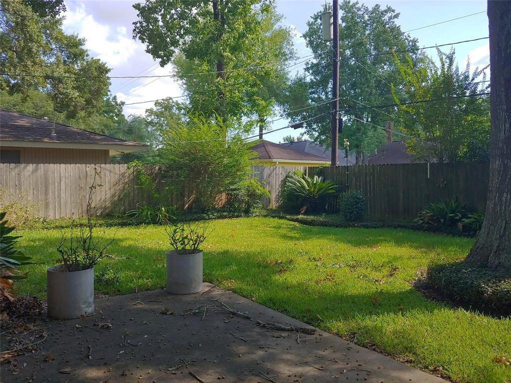 Property for Rent | 9011 Landsdowne Drive Houston, Texas 77096 12