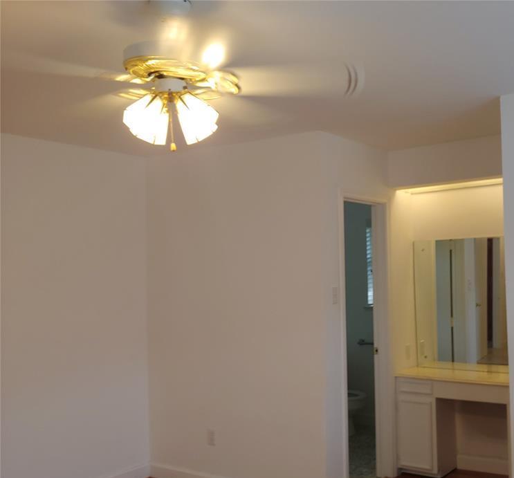 Property for Rent | 9011 Landsdowne Drive Houston, Texas 77096 8