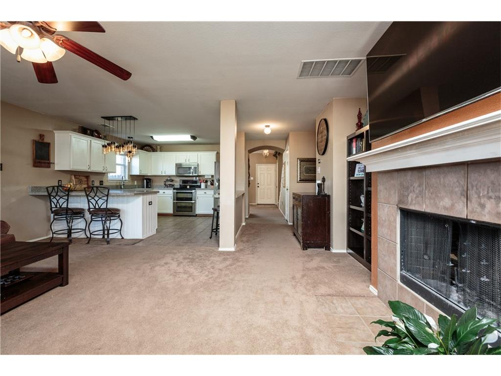 Sold Property | 7241 Lindentree Lane Fort Worth, Texas 76137 2