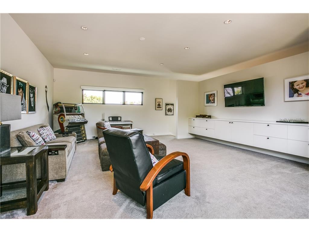 Sold Property   5420 Del Roy Drive Dallas, Texas 75229 25