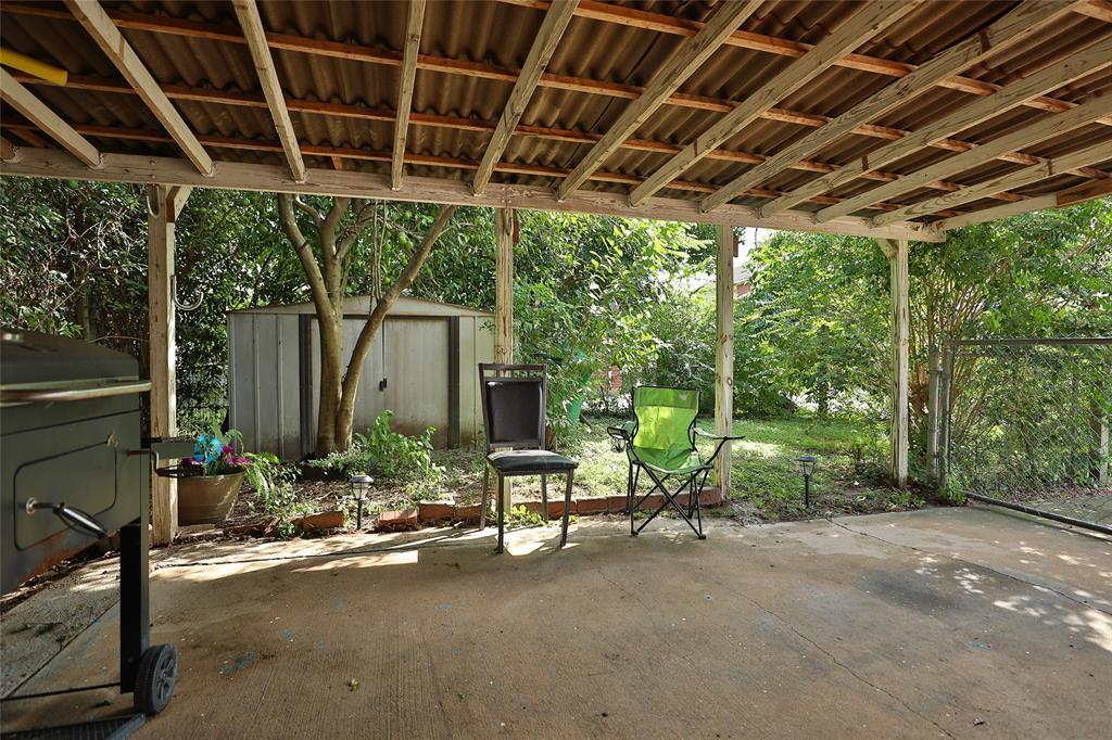 Pending | 8820 Ledge Street Houston, TX 77075 16