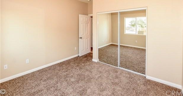 Closed | 11093 1st Avenue Hesperia, CA 92345 33