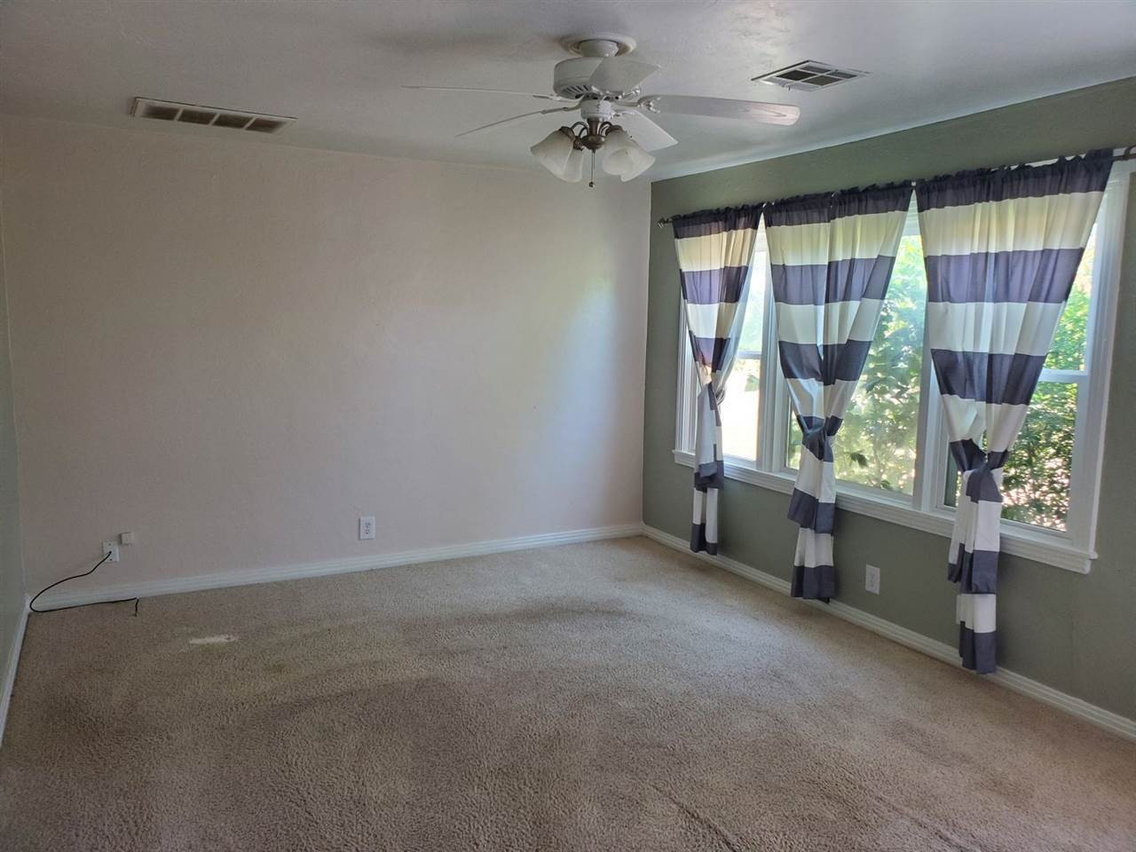 Sold Intraoffice W/MLS | 1016 N Pine Ponca City, OK 74601 1