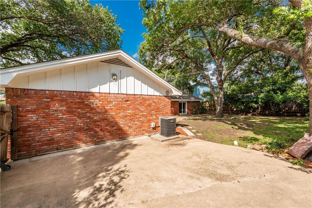 Active Option Contract | 4371 Westdale Drive Fort Worth, Texas 76109 34