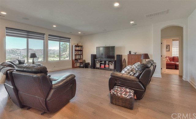 Active | 16409 Viewcrest Road Chino Hills, CA 91709 12