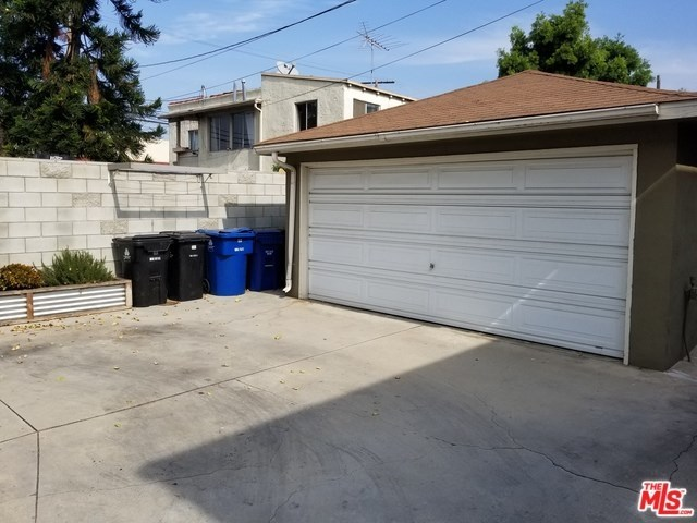 Closed   12811 PACIFIC  Avenue Los Angeles, CA 90066 27