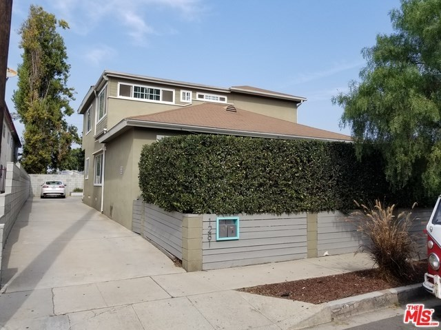 Closed   12811 PACIFIC  Avenue Los Angeles, CA 90066 10