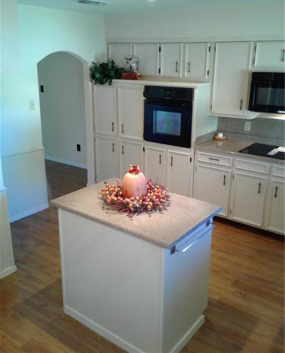 Sold Property | 709 Ash Street Burleson, Texas 76028 2