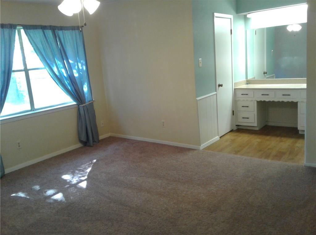 Sold Property | 709 Ash Street Burleson, Texas 76028 8