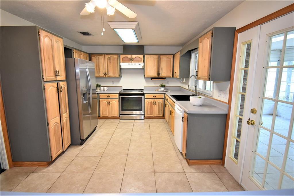 Sold Property | 1903 CAPRI ROAD VALRICO, FL 33594 16