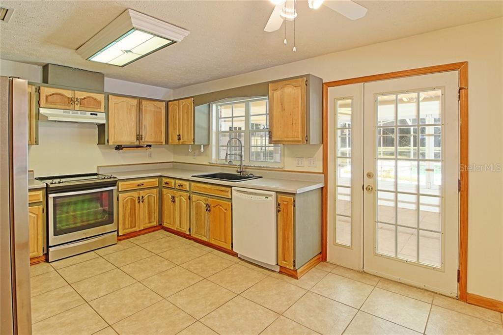 Sold Property | 1903 CAPRI ROAD VALRICO, FL 33594 17