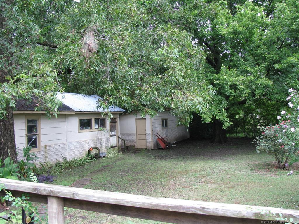 Active | 304 N McCracken Street Chouteau, Oklahoma 74337 18