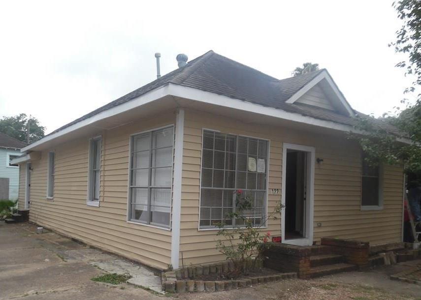 Active   122 Redan Street Houston, Texas 77009 0