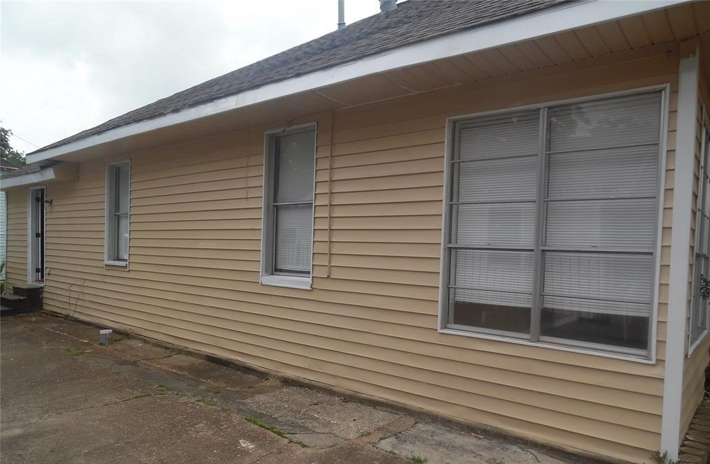 Active   122 Redan Street Houston, Texas 77009 1