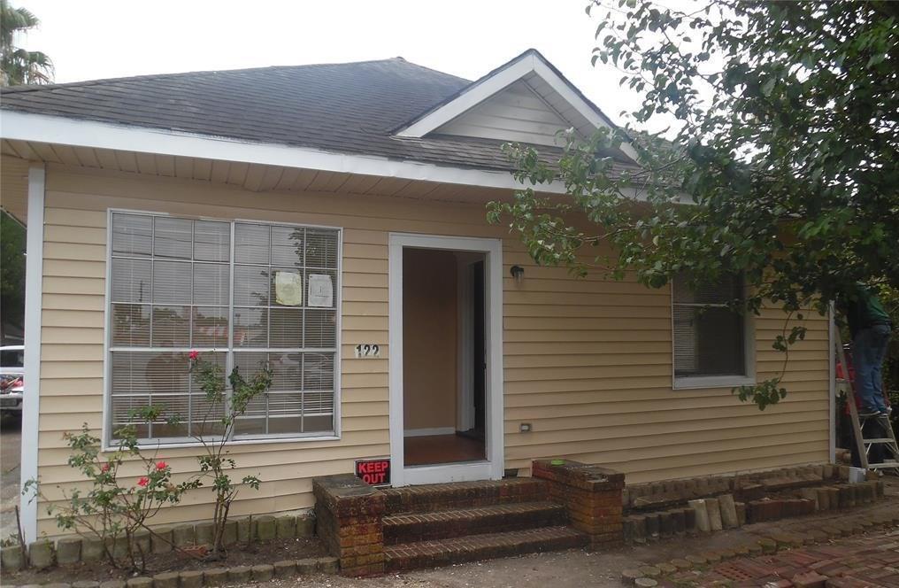 Active   122 Redan Street Houston, Texas 77009 8