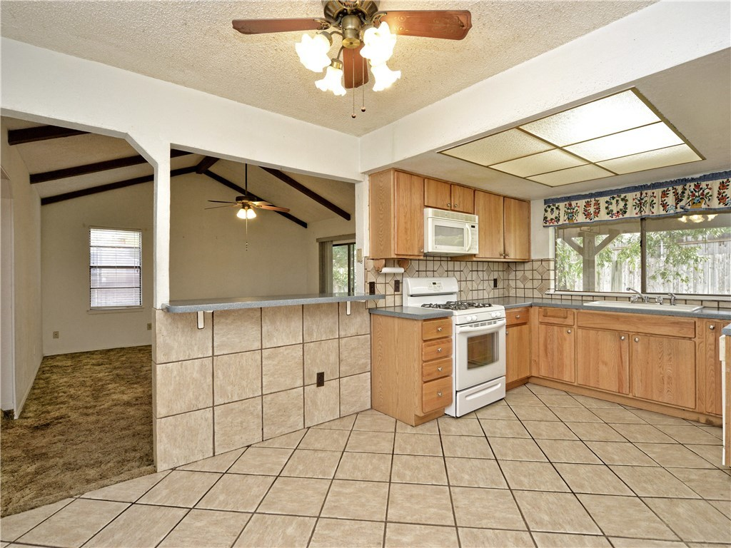 Sold Property | 9410 Meadow Vale  Austin, TX 78758 7