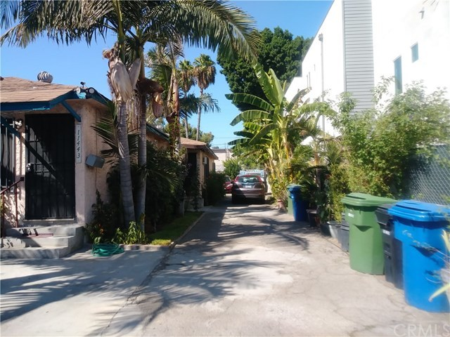 Active Under Contract | 11443 Hatteras Street North Hollywood, CA 91601 3