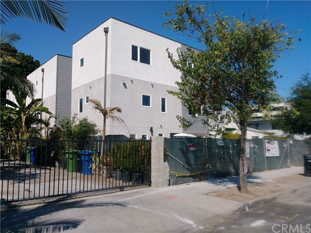 Active Under Contract | 11443 Hatteras Street North Hollywood, CA 91601 8