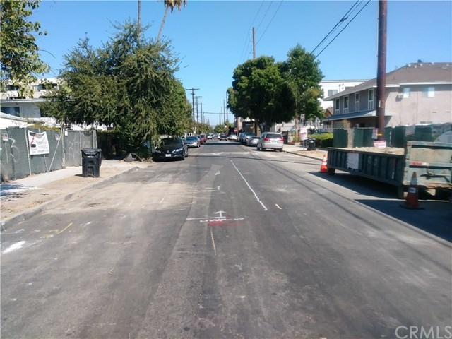 Active Under Contract | 11443 Hatteras Street North Hollywood, CA 91601 9