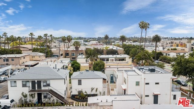 Active | 1417 17TH  Street Santa Monica, CA 90404 4