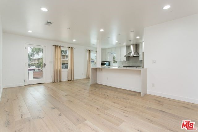 Active | 1417 17TH  Street Santa Monica, CA 90404 5