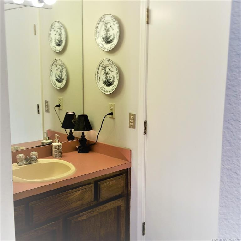 Active | 705 Villa Vista Drive Pryor, OK 74361 23