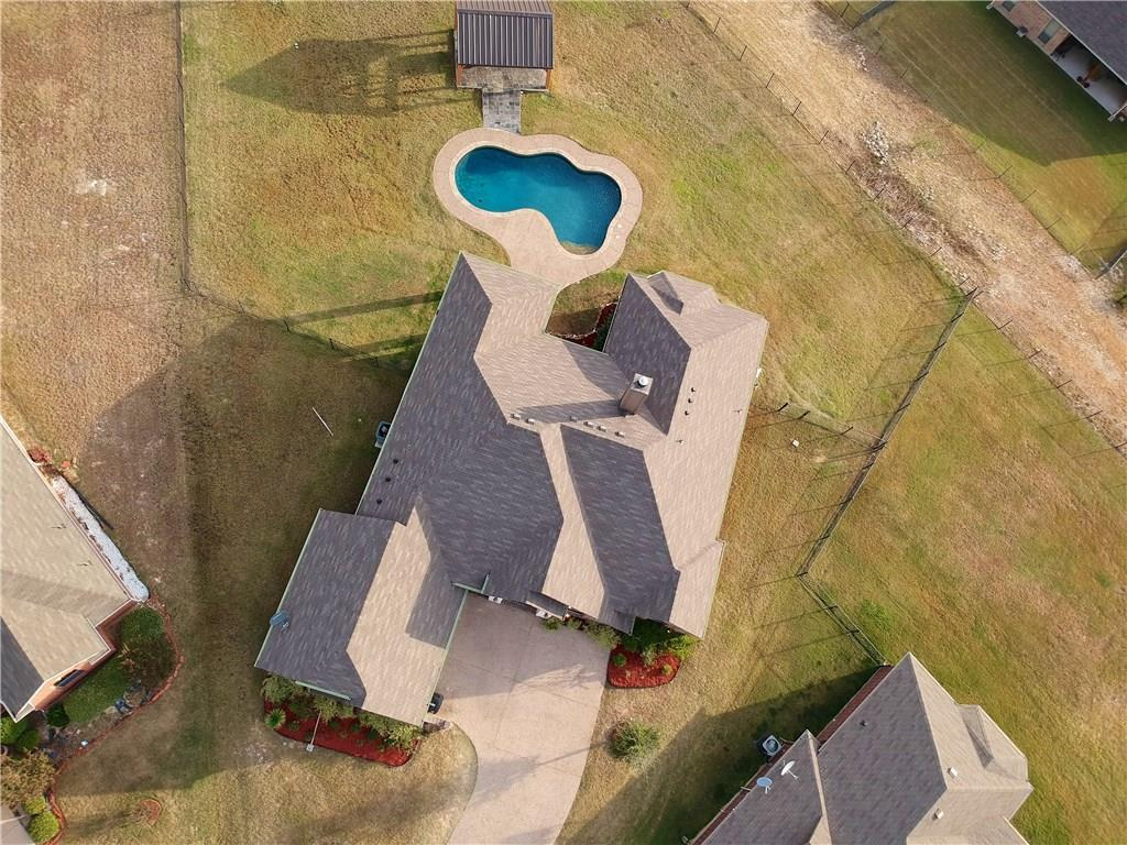 Sold Property | 10928 Owl Creek Drive Fort Worth, Texas 76179 2