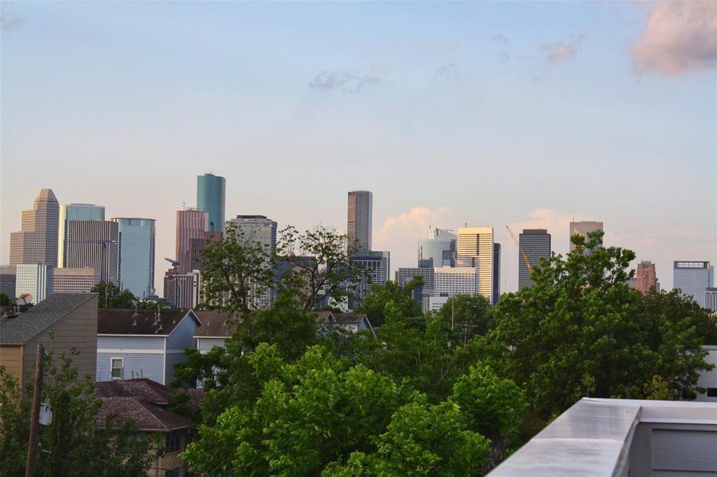 Property for Rent | 4605 La Branch Street Houston, TX 77004 10
