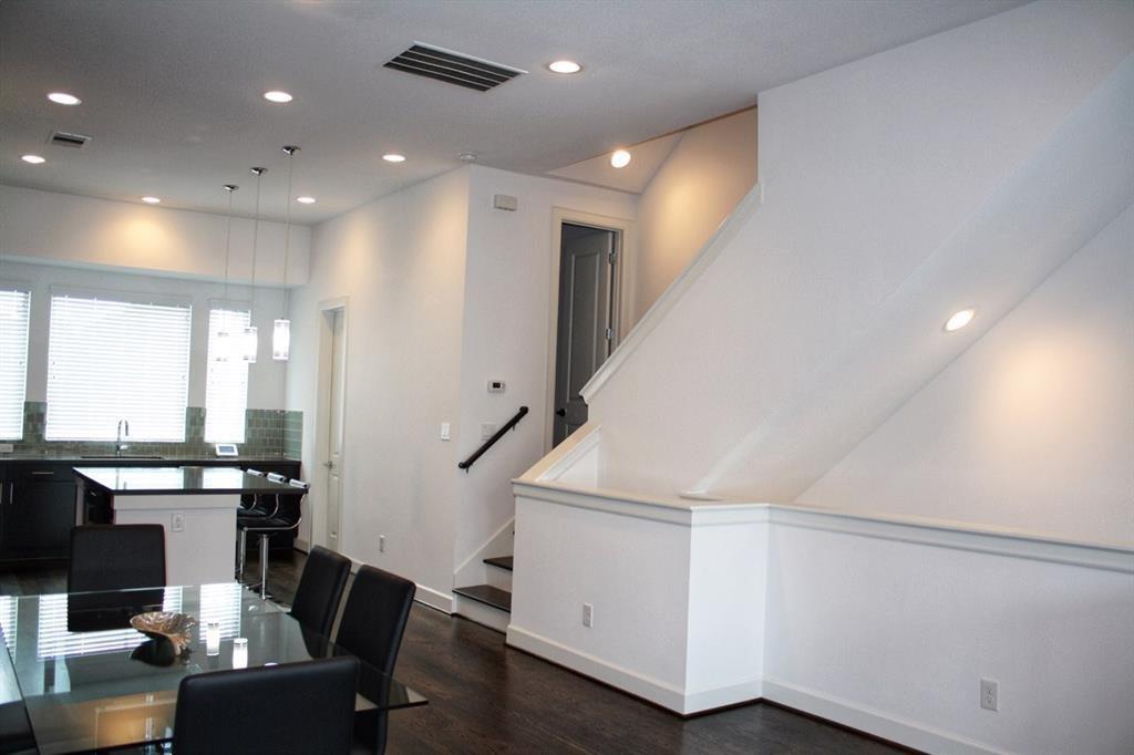 Property for Rent | 4605 La Branch Street Houston, TX 77004 7