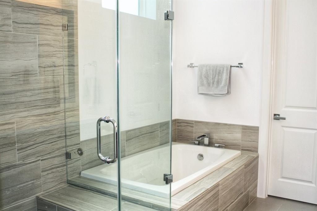 Property for Rent | 4605 La Branch Street Houston, TX 77004 9