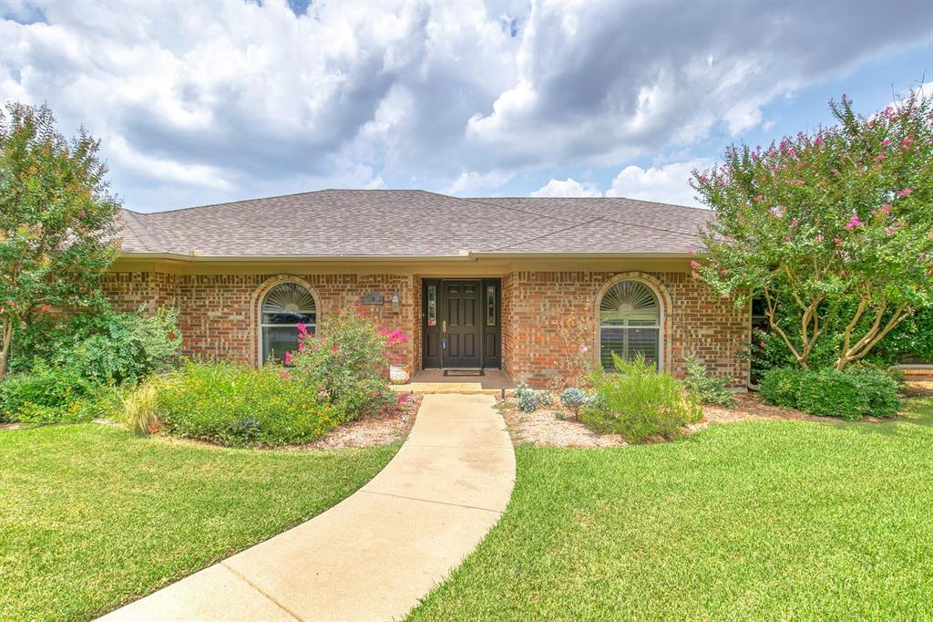 Leased | 6700 Meadows West Drive Fort Worth, TX 76132 2
