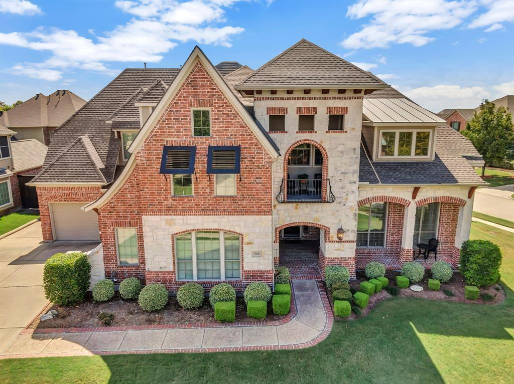 Homes for Sale in Murphy, Large homes with a pool | 524 Carrington Lane Murphy, Texas 75094 2
