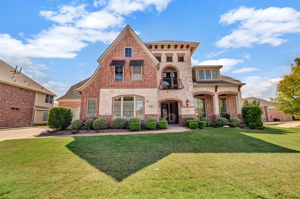 Homes for Sale in Murphy, Large homes with a pool | 524 Carrington Lane Murphy, Texas 75094 3