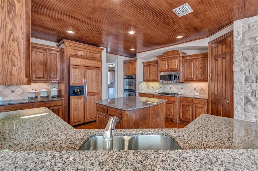 Homes for Sale in Murphy, Large homes with a pool | 524 Carrington Lane Murphy, Texas 75094 14