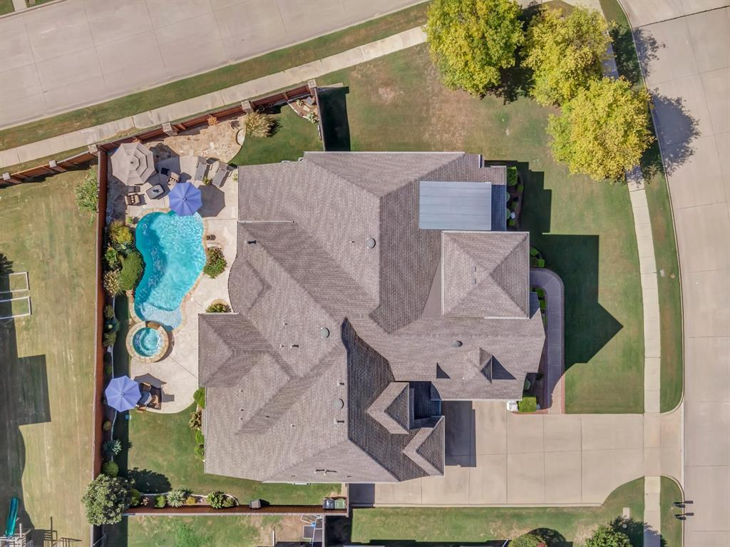 Homes for Sale in Murphy, Large homes with a pool | 524 Carrington Lane Murphy, Texas 75094 37