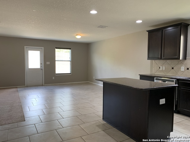 Property for Rent | 7411 DERBY RUN  Selma, TX 78154 2