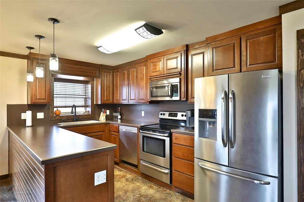 Sold Property | 1060 Cessna Drive Abilene, Texas 79601 2