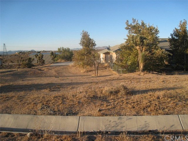 Closed   23367 Ocotillo Apple Valley, CA 92308 0