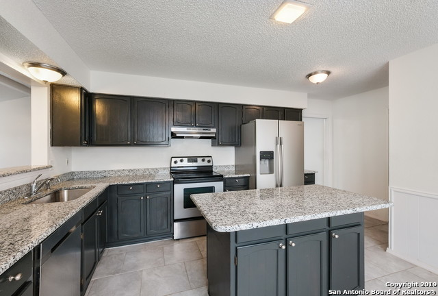 Property for Rent | 13815 CRESTED RISE  San Antonio, TX 78217 7