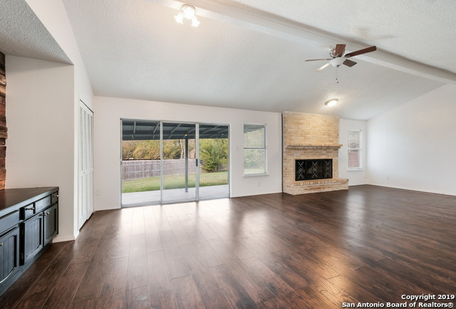 Property for Rent | 13815 CRESTED RISE  San Antonio, TX 78217 9