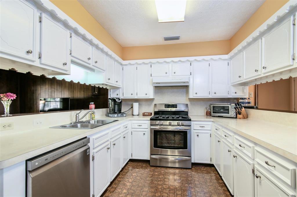 Sold Property | 4503 Lariat Drive Baytown, TX 77521 14