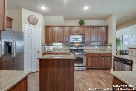 Active   8914 Saxon Forest  Helotes, TX 78023 10