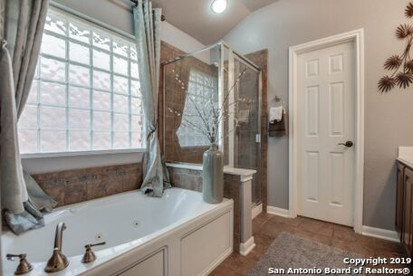 Active   8914 Saxon Forest  Helotes, TX 78023 15