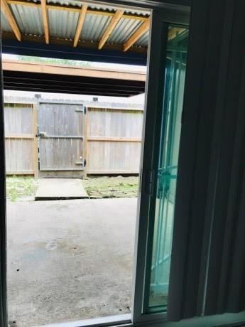 Active | 5832 Village Forest Court Houston, TX 77092 8