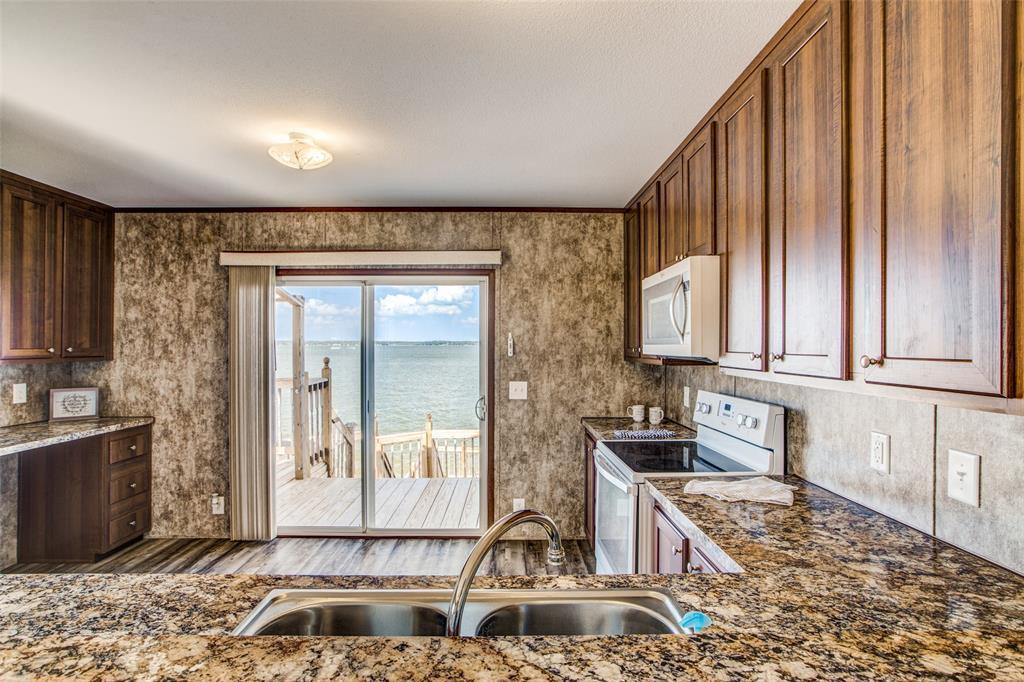 Waterfront,La Livingston lakefront, live on the water Lake Livingston | 700 Lagoon  Drive Point Blank, TX 77364 17